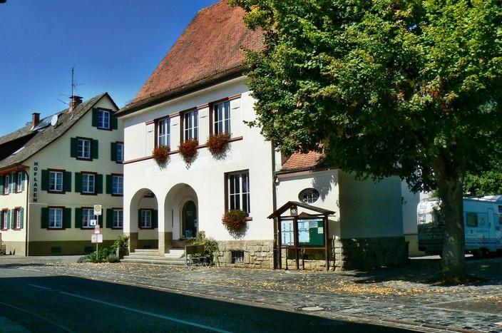 Ehemaliges Rathaus in Wangen mit Picard-Gedenkstätte